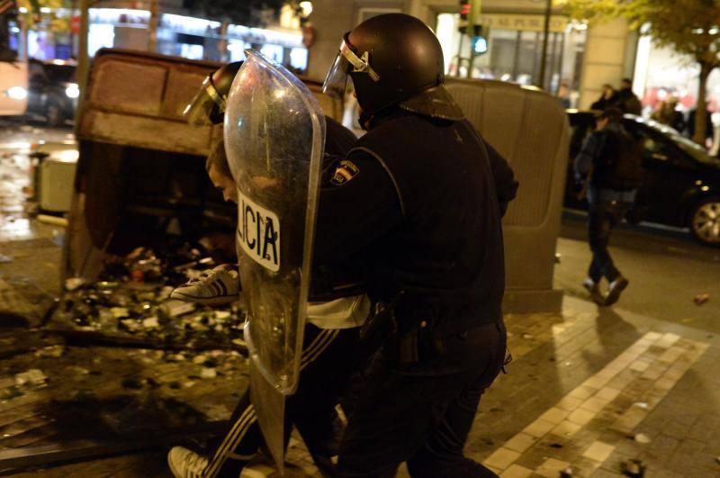 El asedio al Congreso acaba en un marcha por Madrid