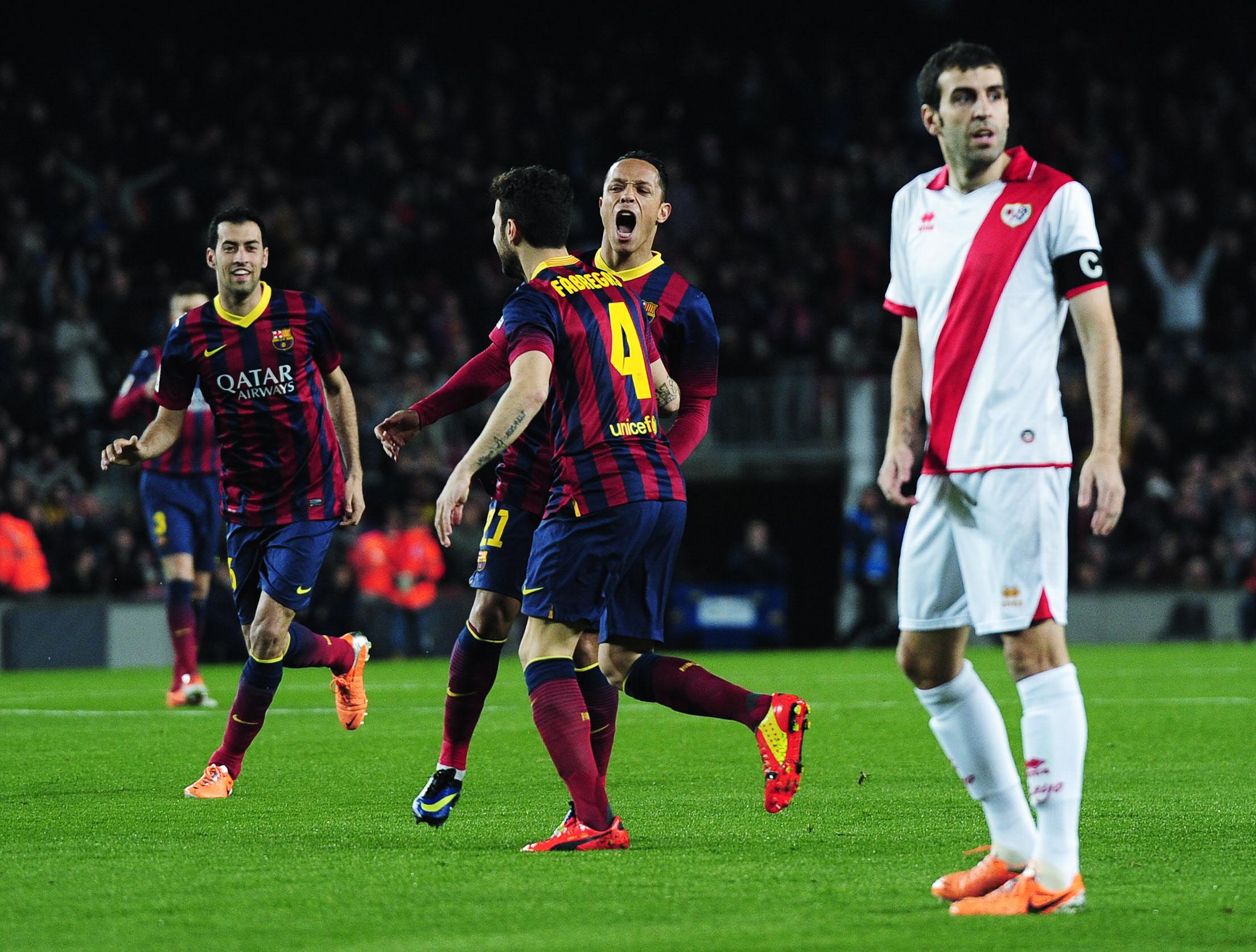 El Barcelona supera al Rayo