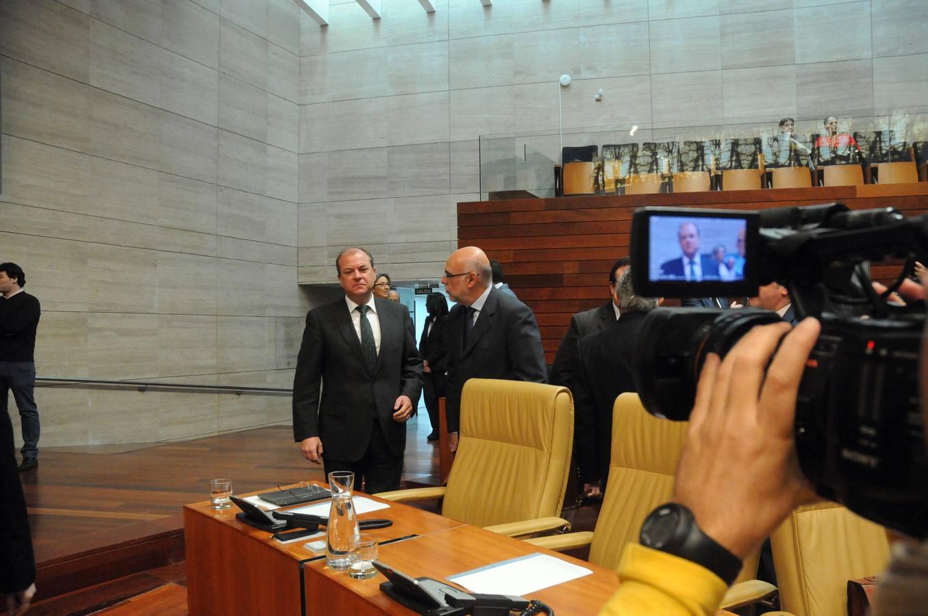 El pleno en la Asamblea, en imágenes
