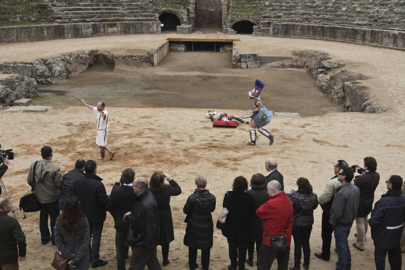 El Anfiteatro de Mérida recupera la arena donde luchaban los gladiadores