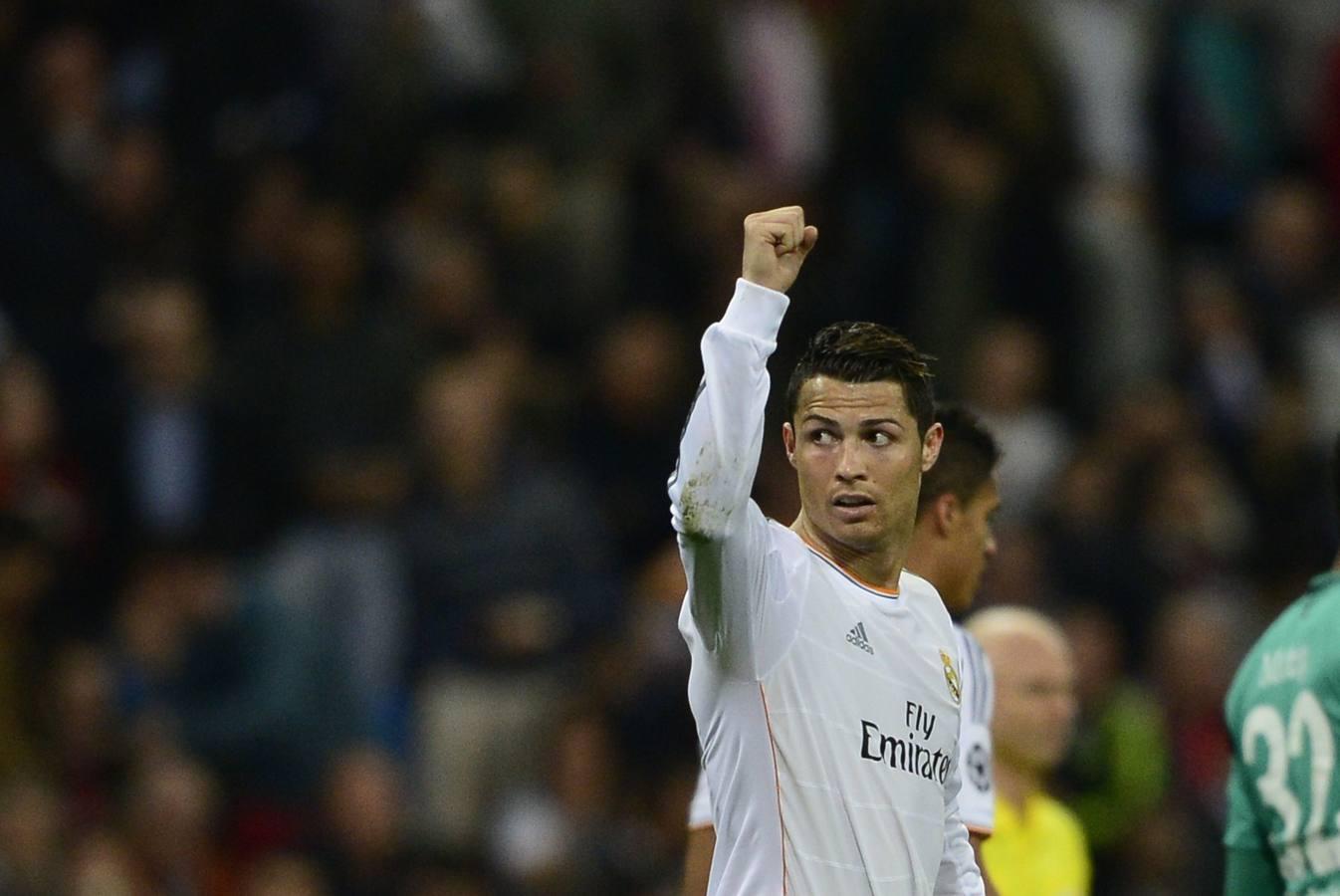 Ronaldo anima el trámite del Bernabéu